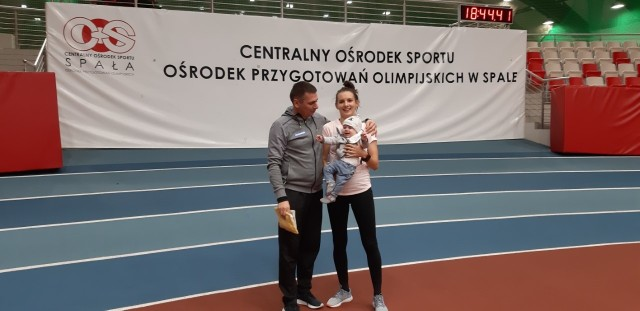 Matylda Kowal w Spale łączy obowiązki sportowe z rodzinnymi