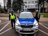 Policjanci z białostockiej drogówki pilotowali do szpitala samochód z 18-latkiem, który odciął sobie palec heblarką