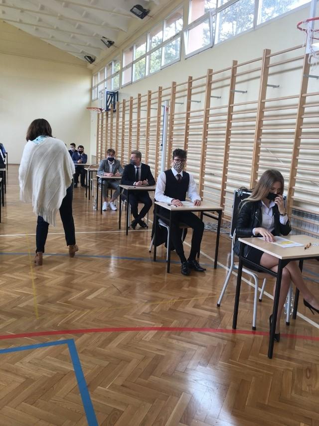 - Będzie dobrze - zapewniali maturzyści Zespołu Szkół w Lipinach.