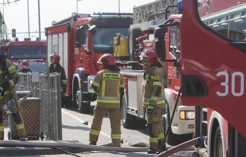 Pożar w jednym z mieszkań przy ulicy Bułgarskiej w Poznaniu....