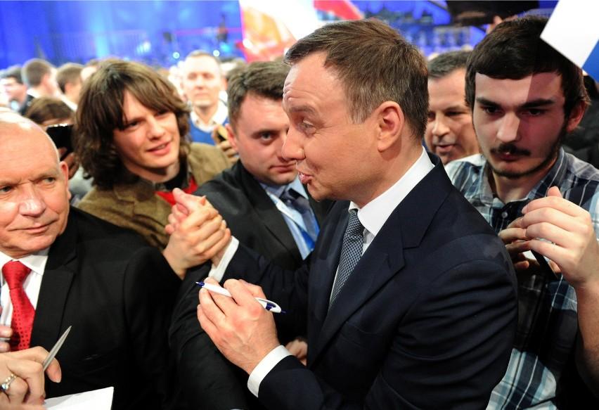 10 zobowiązań Andrzeja Dudy. Kandydat PiS na prezydenta podpisał umowę programową [ZDJĘCIA + VIDEO]