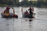 Drugi dzień trwają poszukiwania 25-latka, który wskoczył do Wisły niedaleko Osieka