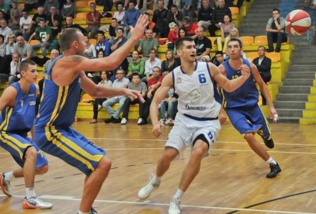 Jacek Jarecki ze swoich 17 punktów aż 15 zdobył do przerwy.