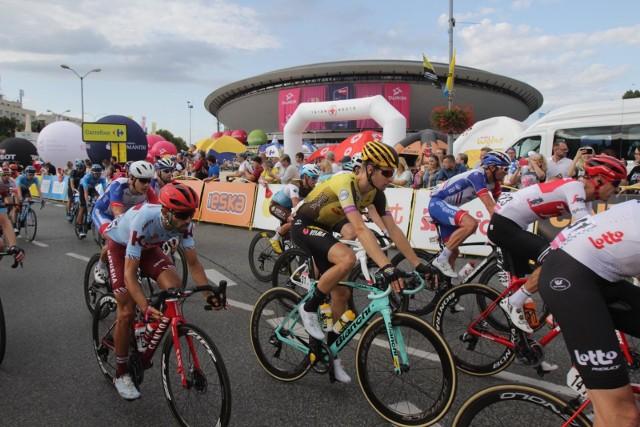 Pierwszy etap Tour de Pologne 2020 zakończy się przy Spodku. Tym razem jednak kolarze nie przejadą przez katowicki Nikiszowiec. Zobacz, czym jeszcze różni się ta edycja wyścigu w stosunku do poprzednich.Zobacz kolejne zdjęcia. Przesuwaj zdjęcia w prawo - naciśnij strzałkę lub przycisk NASTĘPNE