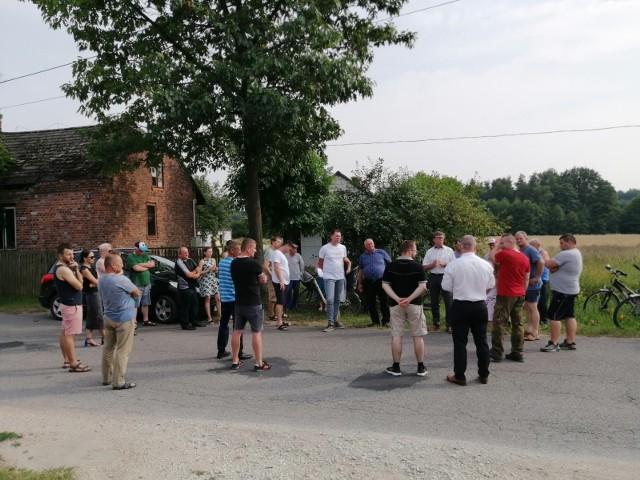 Spotkanie z mieszkańcami Czarncy i Kątów w sprawie planowanej inwestycji drogowej.