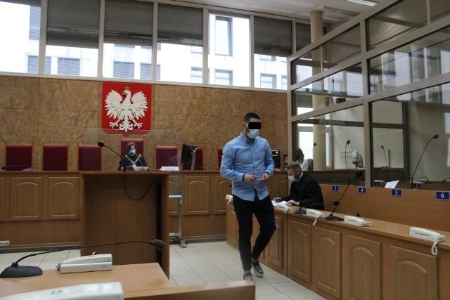 Piłkarz Kmity Zabierzów Jan P. przed krakowskim sądem podaje się karze za narażenie 40 osób na zakażenie koronawirusem