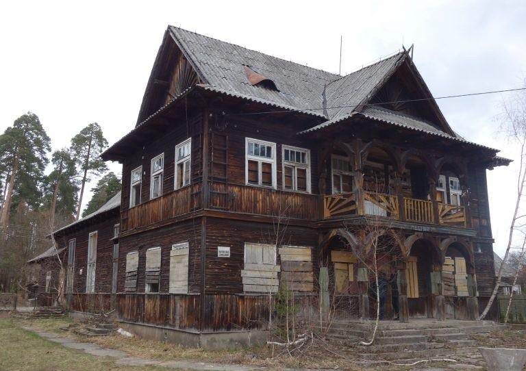 Budynek świetlicy przy ulicy Tartacznej w Augustowie może...