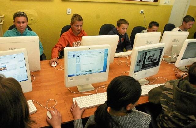 Dzieci mogą skorzystać z interaktywnego kursu językowego