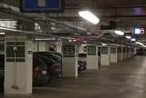 Na parkingu pod NFM za darmo będą mogli parkować tylko urzędnicy