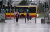 Warszawa: Wielka ulewa przeszła nad miastem 29 czerwca [zdjęcia] [wideo] Zalane ulice, utrudnienia, zamknięta część Trasy Łazienkowskiej