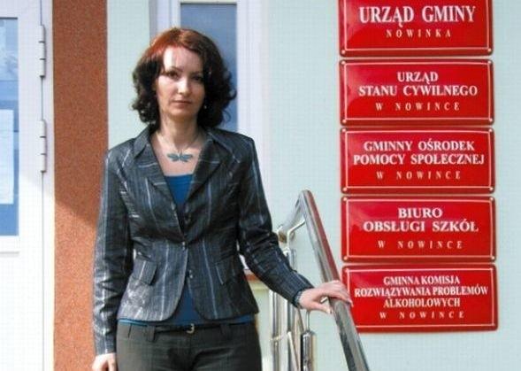 Wójt Dorota Winiewicz tłumaczyła, że spotkania służyły wzmacnianiu więzi mieszkańców, a wyjazdy miały charakter edukacyjny.