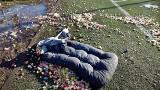 Pełne śmieci osiedle Lotnisko w Stargardzie. Zobaczcie vloga Przemysława Kukuły na YouTube