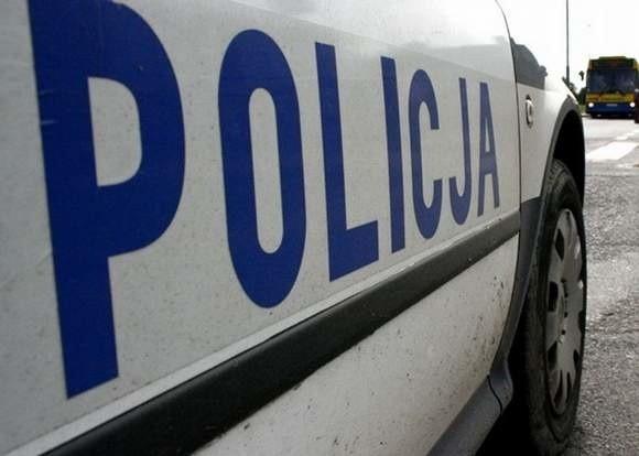 Policjanci zatrzymali 52-latka podejrzanego o to, że kijem bejsbolowym zniszczył samochód w miejscowości pod Wolinem