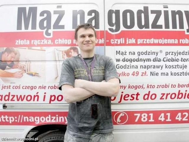 """Kamil Czekirda, lubelski koordynator firmy """"Mąż do wynajęcia"""", nie narzeka na brak zleceń"""