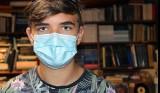 Jesienne ferie zimowe ujarzmią koronawirusa? Rewolucyjny pomysł ZNP odpowiedzią na przyspieszającą pandemią koronawirusa