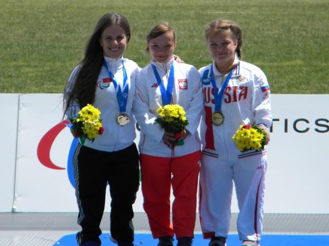 Renata (w środku) na mistrzostwach we Włoszech.