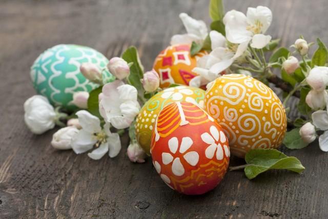 Przykładowe wzory do pomalowania jajek