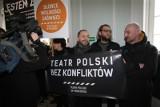 Teatr Polski: wręczyli petycję dla wojewody