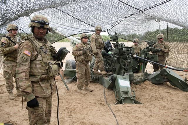 """W lutym na toruńskim poligonie pojawili się żołnierze z baterii """"Kobra"""". Uczestniczyli w ćwiczeniach """"Dragoon Shock""""."""