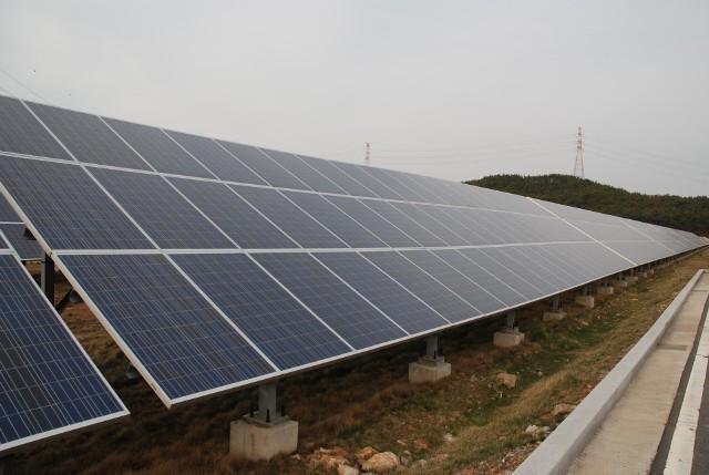 """Solary słonecznePod Białymstokiem planowana jest budowa osiedla, które będzie osiedlem plus energetycznym, czyli produkującym więcej energii niż potrzebuje i sprzedającym nadwyżkę wyprodukowanej energii. Będzie to energia """"czysta"""" pochodząca w 100% z odnawialnych źródeł energii."""