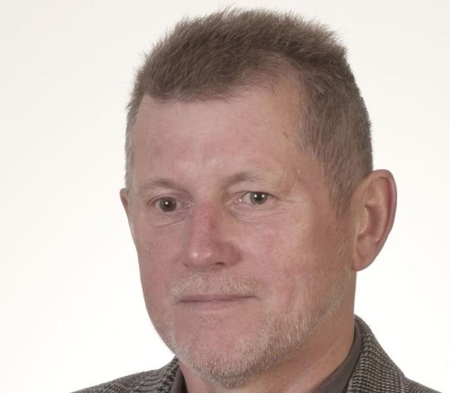 Prof. dr hab. Bogusław Nowowiejski z Wydziału Filologicznego UwB  jest językoznawcą.