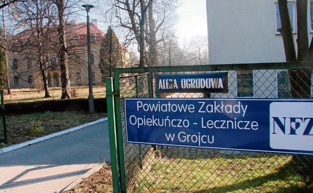 PZOL mieści się w budynkach przy alei Ogrodowej na terenie parku i zabytkowego pałacu. Sam pałac jest w tej chwili używany jako magazyn. Jest po częściowym remoncie i wystawiony na sprzedaż