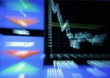 60 Sekund Biznesu: Akcje spółek giełdowych tanie jak nigdy. Czy to dobry czas by z myślą o zyskach już teraz w nie zainwestować?