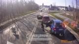 Zatrzymał samochód i zaatakował kierowcę kijem golfowym. Szokujące nagranie [FILM]