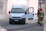 Dym w samochodzie przy Wólczańskiej, pożar w mieszkaniu przy Gdańskiej