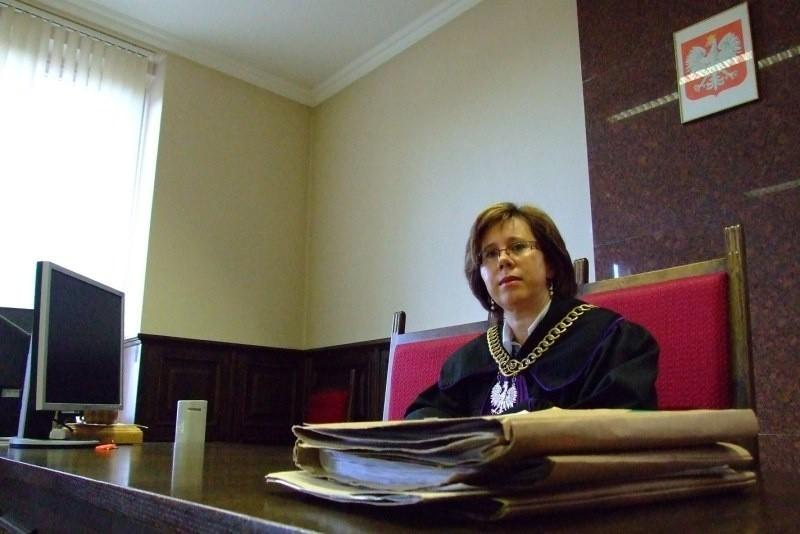 - Brak ławników to znaczące utrudnienie, ale staramy się tak organizować pracę, żeby nie było to odczuwalne - mówi Lidia Lewicka, prezes sądu w Strzelcach Opolskich.