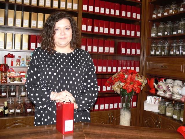 Magdalena Stępień z herbaciarni Aromaty Kawy i Herbaty Świata zdobyła tytuł Sprzedawcy Roku w powiecie sandomierskim .