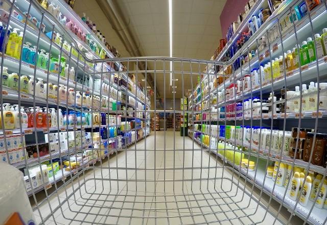 Najnowsze ostrzeżenia GIS. Te produkty wycofywane są ze sklepów. Są niebezpieczne dla zdrowia i życia. Pozbądź się ich z lodówki