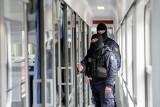 Kieszonkowcy okradli pasażera w pociągu jadącym przez Poznań - zatrzymali ich SOK-iści [ZDJĘCIA]