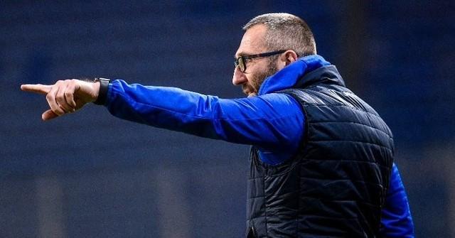 Piłkarze Rakowa wygrali w Krakowie z Wisłą ku zadowoleniu swojego trenera Marka PapszunaZobacz kolejne zdjęcia. Przesuwaj zdjęcia w prawo - naciśnij strzałkę lub przycisk NASTĘPNE