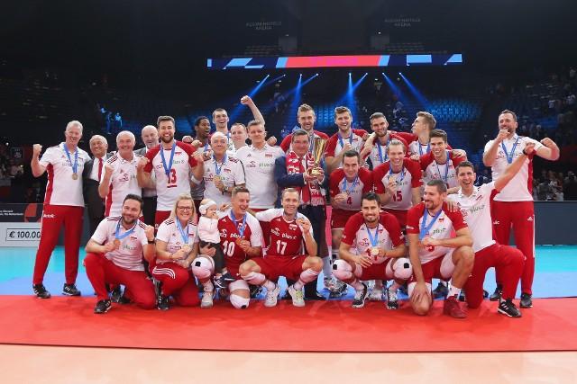 Mimo falstartu w meczu o trzecie miejsce mistrzostw Europy, reprezentacja Polski wygrała 3:0 z Francją w Paryżu. Tym samym drużyna Vitala Heynena zdobyła dziewiąty medal Euro w historii, a drugi brązowy.