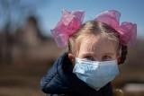 Zakażenie koronawirusem u dzieci. Jak przebiega choroba?