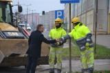 Nowy asfalt na ulicy Piłsudskiego w Skarżysku... za darmo!