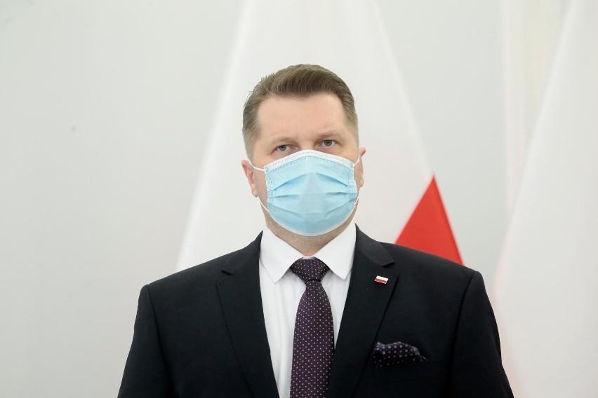"""Powrót do szkół. Przemysław Czarnek odpowiada uczniom: """"Obowiązek to nie stres"""""""