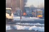 Pożar samochodu na skrzyżowaniu al. Jana Pawła i ul. Obywatelskiej [FILM, zdjęcia]