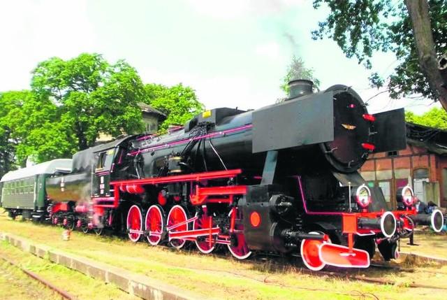Na południowych peronach stacji w Racławicach Śląskich (skąd pociągi odchodziły w stronę Głubczyc) składy zatrzymują się już tylko podczas pikników kolejowych.