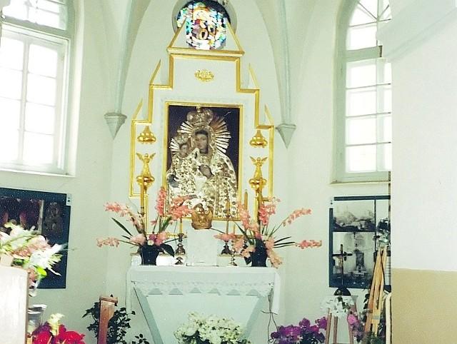 Ołtarz w Nowogródku, przed którym uzdrowiony został mały Adam Mickiewicz