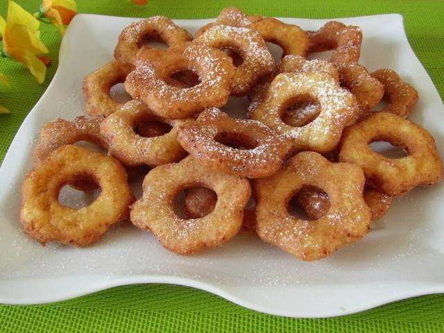 Najlepsze przepisy na karnawałowe słodkości! Zobacz, jakie desery na karnawał przygotowują nasi Czytelnicy. Kliknij w galerię i sprawdź przepisy.