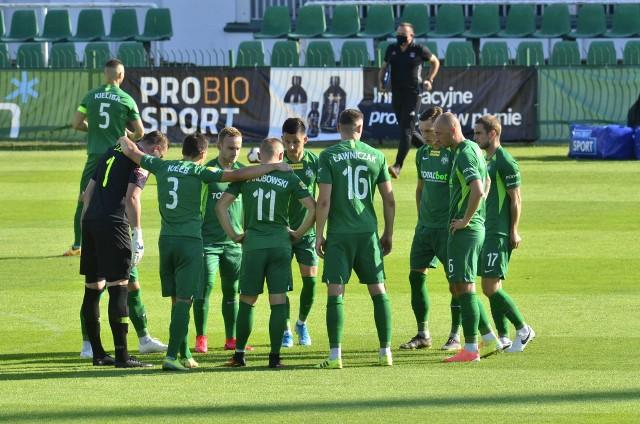 Piłkarze Warty Poznań po niedzielnym meczu z Sandecją Nowy Sącz (2:0) znów obrali kurs na ekstraklasę