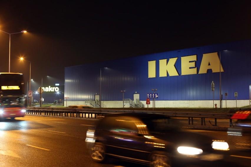 IKEA włącza się w walkę z koronawirusem w Polsce. Przekaże m.in. łóżka oraz jedzenie do szpitali i schronisk
