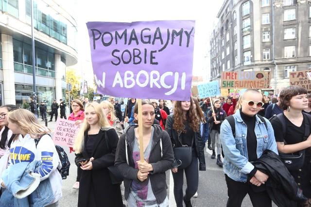 II marsz pro choice, Warszawa. Protestujący wyszli na ulice z okazji Dnia Bezpiecznej Aborcji