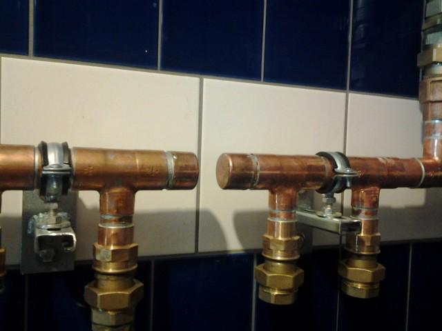 Instalacja miedziana łączona lutem miękkimRury miedziane w instalacjach wodnych. Czy warto je stosować