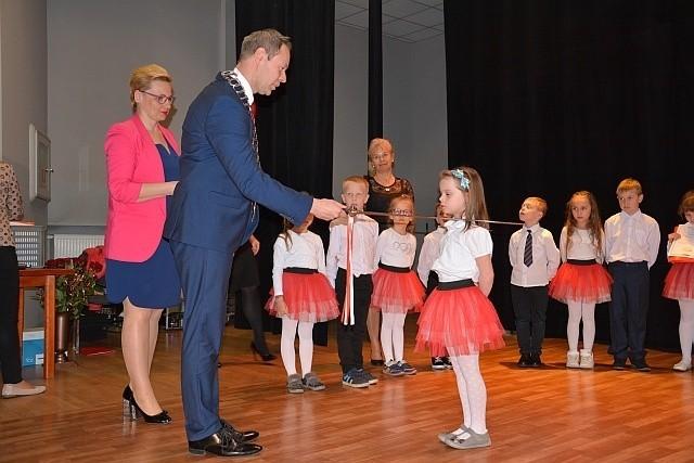 Uroczystość pasowania sześciolatków z przedszkoli niepublicznych na Obywateli Sulechowa