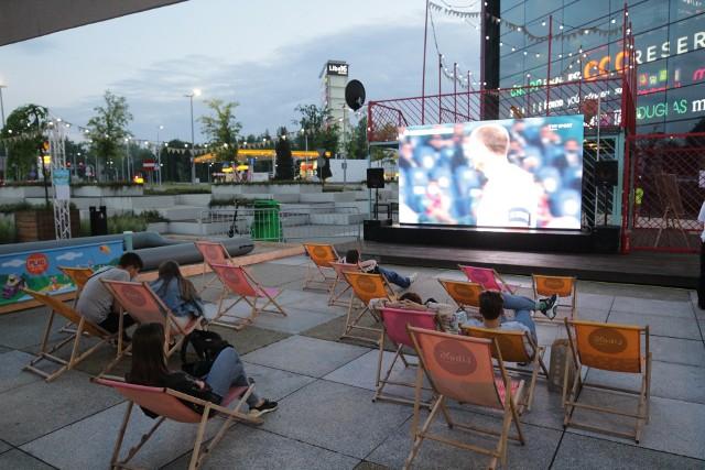 Strefa Kibica w Katowicach już działa. Kibice obejrzeli mecz otwarcia Euro 2020. Tłoku nie było.Zobacz kolejne zdjęcia. Przesuwaj zdjęcia w prawo - naciśnij strzałkę lub przycisk NASTĘPNE