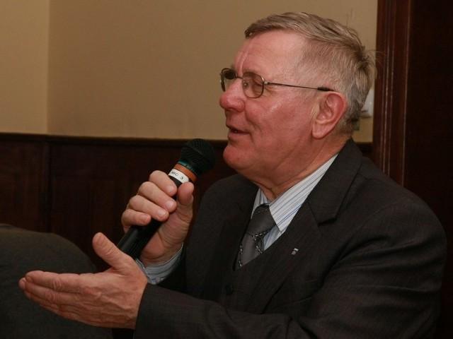 Ponad 78 proc. uczestników naszej sondy twierdzi, że burmistrz Międzyrzecza Tadeusz Dubicki powinien zrezygnować z urzędu.