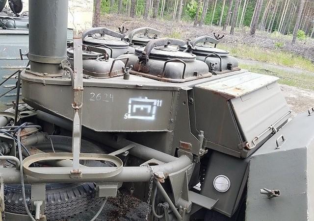 Wojsko pozbywa się sprzętu z demobilu. Nie będzie już potrzebny żołnierzom, ale z powodzeniem może służyć celom cywilnym. Agencja Mienia Wojskowego przygotowała na 10 czerwca 2021 przetarg sprzętu, wśród których są samochody ciężarowe, kuchnie polowe, żaglówki, sprzęt komputerowy i narzędzia do majsterkowania. Kuchnia polowa KP-340 (bez wyposażenia)Ilość:1NR fabryczny:2624Rok produkcji:1972Cena:4500 Zobacz kolejne zdjęcia z cenami. Przesuwaj zdjęcia w prawo - naciśnij strzałkę lub przycisk NASTĘPNE